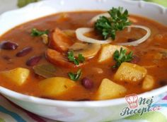 Czech Recipes, Ethnic Recipes, Goulash, Yams, Kitchen Hacks, Thai Red Curry, Stew, Food And Drink, Potatoes