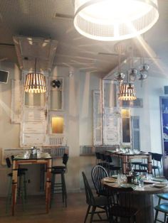 meze meze glyfada Chandelier, Ceiling Lights, Lighting, Projects, Home Decor, Log Projects, Candelabra, Blue Prints, Decoration Home