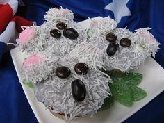 Google Image Result for http://www.thecupcakeblog.com/wp-content/uploads/2011/04/Koala-Cupcakes.jpg