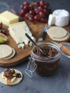 A simple slow cooker apple chutney recipe using a glut of apples. Prep the ingredients, throw them in the cooker and get on with your Christmas shopping!