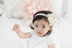 Check out this item in my Etsy shop https://www.etsy.com/listing/463314127/chiffon-flowers-baby-headband-baby