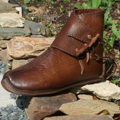 FEREY MEDIEVAL : chaussures historiques