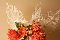 Gorgeous chrysanthemums and delicate sugar filigree leaf motifs.