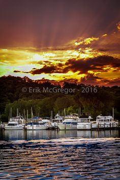 FINGER LAKES SUNSET - Composition Thursday #PhotoOfTheDay #MagicHour #outdoors #clouds #FireInTheSky #dusk #sunset #sundown #boats #waterways #CayugaLake #FingerLakes #NewYork #NaturePhotography #LandscapePhotography #NikonPhotography #Nikon #ErikMcGregor #2016   © Erik McGregor - erikrivas@hotmail.com - 917-225-8963