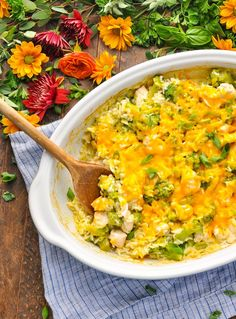 With just 5 ingredients and about 5 minutes of prep, this Dump-and-Bake Chicken Broccoli Rice Casserole is an easy dinner that cooks in one dish! 5 Ingredients or Less Recipes | Chicken Breast Recipes | One Pot Meals