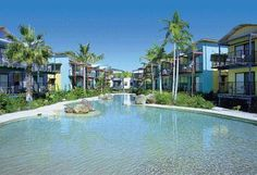 Noosa Lakes Resort Tewantin Surrounded by beautiful wilderness, Noosa Lakes is located on 7 landscaped acres by the shores of Lake Doonella and opposite the Noosa River.  Noosa Lakes offers air conditioned studio rooms, 1-bedroom apartments and 2-bedroom townhouses.