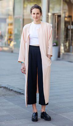 look modelagens amplas calça culotte e maxi casaco
