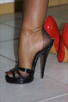 Women in nylons Sexy High Heels, High Heels Boots, Sexy Legs And Heels, Hot Heels, Womens High Heels, Heeled Boots, Pantyhose Heels, Stockings Heels, Stilettos