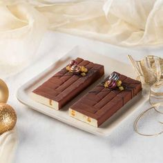 Chocolate Art, Chocolate Lovers, Chocolate Recipes, Chocolates, Mini Desserts, Dessert Recipes, Dulce Candy, Decadent Cakes, Chocolate Decorations