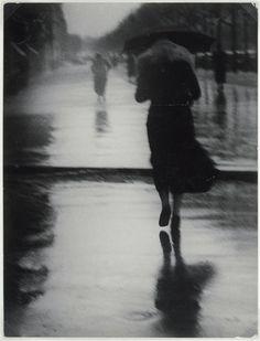Brassaï: Passers-by in the Rain