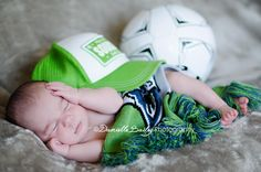 Newborn posing, Baby Posing, Sounders Soccer, Infants, sports, #Yakima newborn photographer  http://dbaileyphotography.blogspot.com