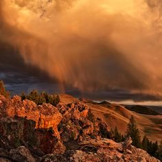 ✮ Idaho Sunset and Rainbow over the Lost River Range