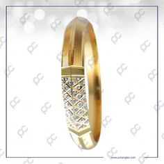 Mens Gold Bracelets, Gold Bangles, Gold Rings, Amrapali Jewellery, Gents Ring, Gold Jewelry Simple, Cow Skull, Diamond Bangle, Gold Jewellery Design
