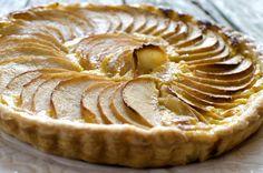 Supergod eplepai med vaniljekrem Apple Pear, Pie, Desserts, Food, Vanilla Ice Cream, Apple Cakes, Pies, Torte, Tailgate Desserts