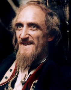 Ron Moody played Fagin in Oliver.
