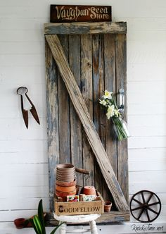 Reclaimed Wood for My Spring Entryway
