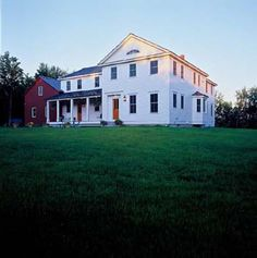 This farmhouse looks like those in Andrew Wyeth's paintings