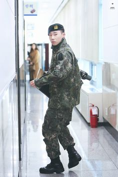 Damn i miss him so much Lee Sungyeol, Kim Sung Kyu, Nam Woo Hyun, Woollim Entertainment, I Miss Him, Pop Bands, Infinite, Sexy Men, Korean