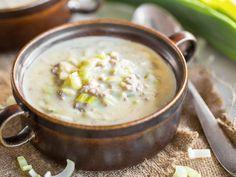 Käse-Lauch-Suppe mit Hackfleisch und Schmelzkäse - https://www.springlane.de/magazin/rezeptideen/deftige-kaese-lauch-suppe-mit-hackfleisch/?utm_source=Facebook&utm_medium=Post