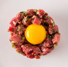 12 Dishes Best Served Cold, Like Revenge - Bon Appétit. **Olive oil ice cream, beef tartare, cocktails and cold soups. Perfect recipes for summer time. Steak Tartare, Sauce Tartare, Tartare Recipe, Ceviche Recipe, Carpaccio Recipe, Meat Recipes, Cooking Recipes, Healthy Recipes, Food For Thought