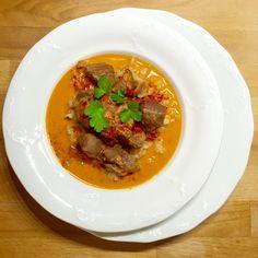 Vepřové na paprice • Pork with paprika cream sauce