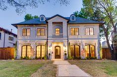 Exteriors Photo Gallery | Luxury Homes of Texas built by Bella Vita Custom Homes www.livingbellavita.com