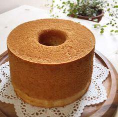 バナナのシフォンケーキ Bread Recipes, Cake Recipes, Dessert Recipes, Cooking Recipes, Healthy Recipes, Desserts, Bolo Chiffon, Sweets Cake, How To Make Cake