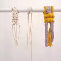 DIY Macrame Cats Paw - DIY Macrame Cats Paw You are in the right place for diy Here we present diy you are looking for - Macrame Plant Hanger Patterns, Macrame Wall Hanging Patterns, Macrame Plant Hangers, Macrame Patterns, Macrame Cord, Micro Macrame, Macrame Design, Macrame Projects, Loom Bracelets
