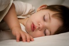 Toddler Fighting Sleep? 20 Peaceful Sleepy-Time Tips | Little Hearts/Gentle Parenting Resources