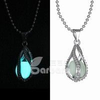 Barbara丨NEW Fashion Women The Little Mermaid's Teardrop Glow in Dark Pendant Necklace