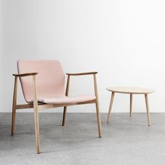 More news from Magnus Olesen with the Butterfly Lounge Classic chair. A new exiting version of the Butterfly Lounge series designed by Niels Gammelgaard. #magnusolesen #butterflychair #loungechair #nielsgammelgaard #craftmanship #contractfurniture #madeindenmark #cooldesignfromthenorth