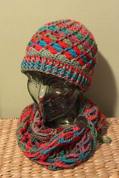 Ravelry: Project Gallery for Divine Hat pattern by Sarah Arnold