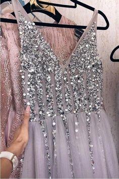 Stunning Prom Dresses, Dress Making, Evening Dresses, Tulle, V Neck, Fashion, Evening Gowns, Moda, La Mode