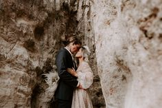 #providencecanyon #providencecanyonstatepark #georgiaelopement #georgiawedding #georgiaintiamtewedding #canyonelopement #southernelopement #elopegeorgia #sunsetelopement #adventerouselopement #sparklyweddingdress