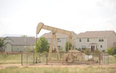 Strange but true: The Colorado homes just metres from an oil pumjack via @coloradoan: http://www.coloradoan.com/article/20120606/NEWS01/306060058/Moratorium-out-way-company-gears-up-drill-north-Fort-Collins?odyssey=mod|mostview