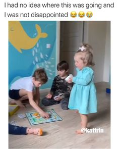 Cute Funny Baby Videos, Cute Funny Babies, Super Funny Videos, Funny Videos For Kids, Funny Short Videos, Funny Video Memes, Crazy Funny Memes, Really Funny Memes, Funny Puns