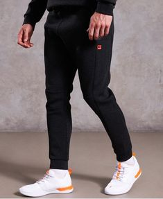 Shop Superdry Mens Gym Tech Stretch Joggers in Carbon. Buy now with free delivery from the Official Superdry Store. Cuffed Joggers, Jogger Shorts, Mens Sweatpants, Gym Pants, Gym Leggings, Sports Leggings, Superdry Mens, Mens Clothing Styles, Gray