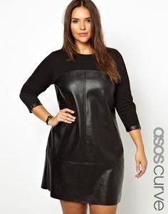 ASOS CURVE Shift Dress With PU Panels GROẞARTIGES teil, willich haben. sofern es auch gut an mir aussieht^^