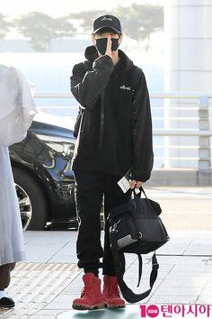 BTS đã có mặt tại sân bay Incheon sáng nay để bay sang Hongkong chuẩn bị cho lễ trao giải