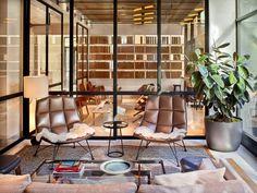 26 Bilder im neuen Arlo Hudson Square Hotel in New York - Modern Design Design Furniture, Sofa Design, Luxury Furniture, Top Interior Designers, Best Interior Design, Interior Modern, Interior Doors, Interior Paint, Luxury Interior