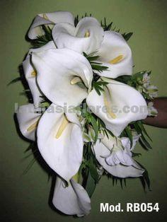 Mexican calla lilies and white alstroemeria #wedding #bouquet with white iris
