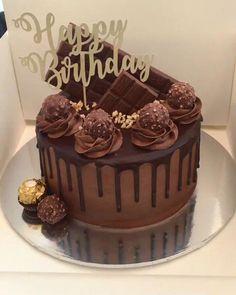 Ferrero Tropfkuchen - Sites new Creative Cake Decorating, Birthday Cake Decorating, Creative Cakes, Chocolate Birthday Cake Decoration, Chocolate Cake Designs, Chocolate Drip Cake, Bolo Chanel, Bolo Tumblr, 25th Birthday Cakes