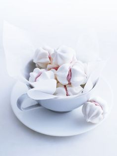 Meringue Cookies - photographer Andy Lewis for Donna Hay