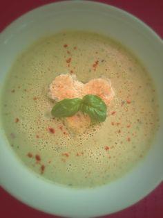 very simple recipe: chili, basil and peas