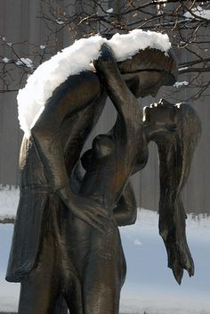 Romeo and Juliet Statue, Central Park, NYC - Apartment Rentals in New York with No Broker's Fee. Statues, Books Art, Hampshire, I Love Ny, City That Never Sleeps, Concrete Jungle, Parcs, Wassily Kandinsky, Romeo And Juliet