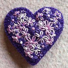 Freeform embroidery heart brooch Brooch 69 por Lucismiles en Etsy