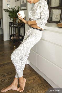Leopard Print Long Sleeves Round Neck Sweatshirt & Drawstring Waist Pants Co-ord