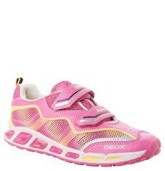 #GEOX #Sneaker #Shuttle, #Blinklichter, #atmungsaktiv, für #Mädchen - Atmungsaktive Sneaker Shuttle von GEOX aus Mesh für Mädchen. Mit blinkenden LEDs. Ein absoluter Hingucker sind die Sneaker Shuttle der Marke GEOX mit ihrem sportiven Look, der durch die Farbkombinationen perfekt zur Geltung kommt. Effektvoll ergänzt wird das Konzept von den blinkenden LEDs in der Laufsohle. Dank der Atmungsaktivität und der antibakteriellen Innenausstattung bieten die GEOX-Schuhe ein besonders angenehmes…