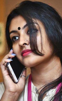 Aunty what a skin tone Beautiful Girl Indian, Most Beautiful Indian Actress, Beautiful Lips, Beautiful Actresses, Beautiful Women, Hot Actresses, Beauty Full Girl, Beauty Women, Indian Face