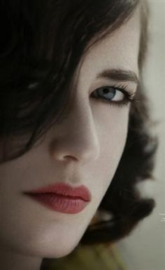 Eva Green hooded eye
